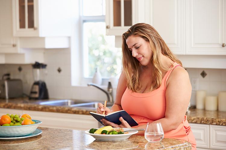 operación reducción de estómago mujer