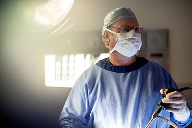 doctor quirófano reducción de estómago laparoscopia