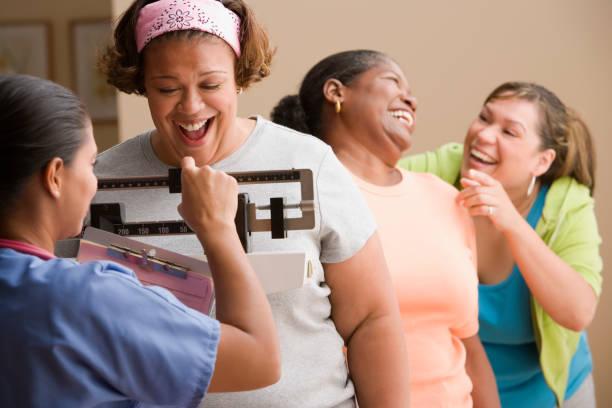 reducción de estómago sin cirugía pesaje mujeres